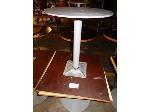 Lot: 02-21683 - (2) Square Tables