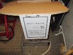 Lot: 36.SP - LAMP & TABLE/PODIUM