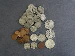 Lot: 577 - LIBERTY & KENNEDY HALVES, QUARTERS, NICKELS & PENNIES