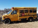 Lot: 01 - 1996 Ford Mini-Bus