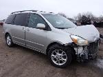 Lot: 2 - 2005 Toyota Sienna XLE Van - Key / Runs & Drives