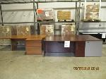 Lot: 14 - Desks, Table & File Cabinet