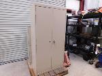 Lot: 43 - Metal Storage Cabinet