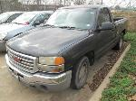 Lot: 18-3792 - 2004 GMC SIERRA PICKUP