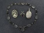 Lot: 626 - SILVER NECKLACE, PENDANT/PERFUME VIAL & RING