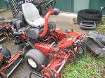 Lot: 104 - EQUIP 304505 - 2004 Toro Greensmaster Riding Mower