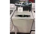 Lot: 6217 - Whirlpool Washer