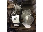 Lot: 6250 - Cooking Equipment: Bowls, Racks