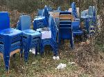 Lot: 35 - (225) PLASTIC STACKING CHAIRS