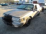 Lot: 949 - 1997 LINCOLN TOWN CAR