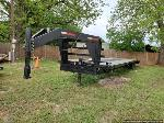 Lot: 281 - 2007 40-ft Gooseneck Trailer