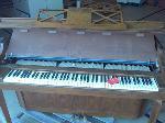 Lot: 47 - Piano
