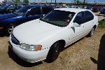 Lot: 09-147126 - 2001 Nissan Altima - KEY  / RUNS
