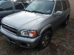 Lot: 32400 - 2000 Nissan Pathfinder SUV