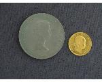 Lot: 7133 - 1915 GOLD 1 DUCAT & 1965 CHURCHILL COIN