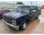Lot: 32 - 1989 Chevy Suburban SUV