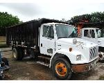 Lot: 06173 - 2004 FREIGHTLINER FL80 BRUSH DUMP TRUCK - KEY
