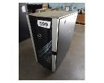 Lot: 599 - Server Rack