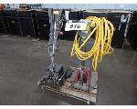 Lot: 616 - (2) Floor Machine