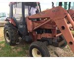Lot: 3.PADUCAH - 1987 Case 885 Tractor w/ Loader - Key