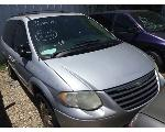 Lot: 04-S238090 - 2006 CHRYSLER TOWN & COUNTRY VAN