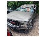 Lot: 1 - 1999 GMC YUKON SUV - KEY