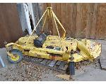 Lot: 4 - John Deere Grooming Mower