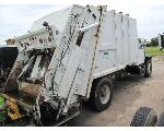 Lot: 55-EQUIP#013029 - 2001 INTL 4900 20 C/Y REAR LOADER