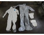 Lot: 687 - Dupont Tyvek Coveralls