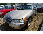 Lot: 24-154275 - 2000 Lincoln Town Car