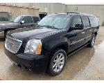 Lot: 7 - 2008 GMC Yukon SUV - Key / Started