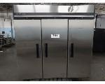 Lot: 761 - Maxx Cold Refrigerator