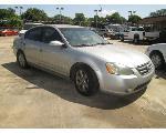Lot: 01 - 2002 Nissan Altima - Key / Started & Drove