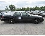 Lot: 249 - 2011 Ford Crown Victoria - Key / Starts & Runs<BR>2FABP7BV4BX102109