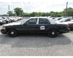 Lot: 280 - 2011 Ford Crown Victoria - Key / Starts & Runs<BR>2FABP7BV5BX116391