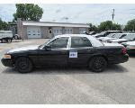 Lot: 315 - 2011 Ford Crown Victoria - Key / Starts & Runs<BR>2FABP7BV4BX182284