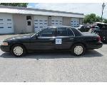 Lot: 321 - 2006 Ford Crown Victoria - Key / Starts & Runs<BR>2FAFP73V56X112444