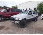 Lot: 2125 - 2004 JEEP CHEROKEE SUV