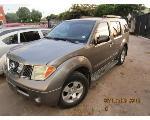 Lot: 32 - 2006 NISSAN PATHFINDER SUV - KEY / RUNS & DRIVES