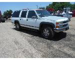 Lot: B33 - 1995 CHEVY SUBURBAN SUV - KEY / STARTED