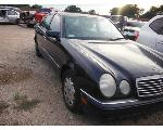 Lot: 19-669948C - 1999 MERCEDES-BENZ E320