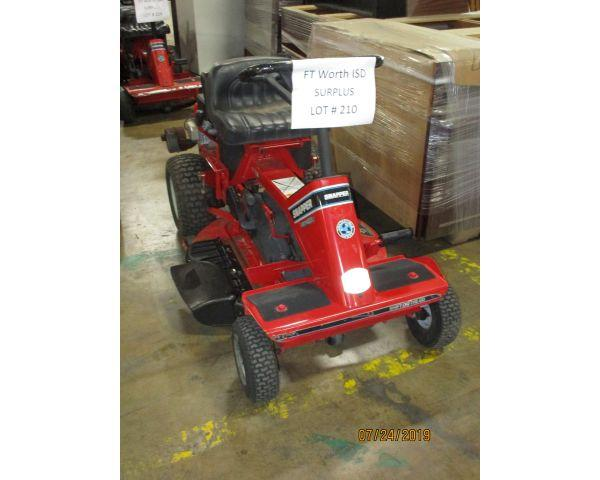 LSO Auctions - Lot: 210 - SNAPPER LAWN MOWER (Item 1074524556)