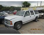 Lot: 7 - 1999 CHEVY SUBURBAN SUV