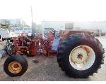 Lot: 02-22819 - International 784 Tractor