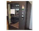 Lot: 411 - Vending Machine