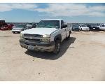 Lot: 8 - 2004 Chevrolet 2500HD  Pickup - KEY / STARTED