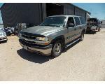 Lot: 26 - 2001 Chevrolet Suburban SUV - KEY / STARTED