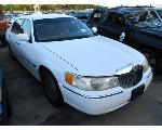 Lot: 1920240 - 2001 LINCOLN TOWN CAR - *KEY