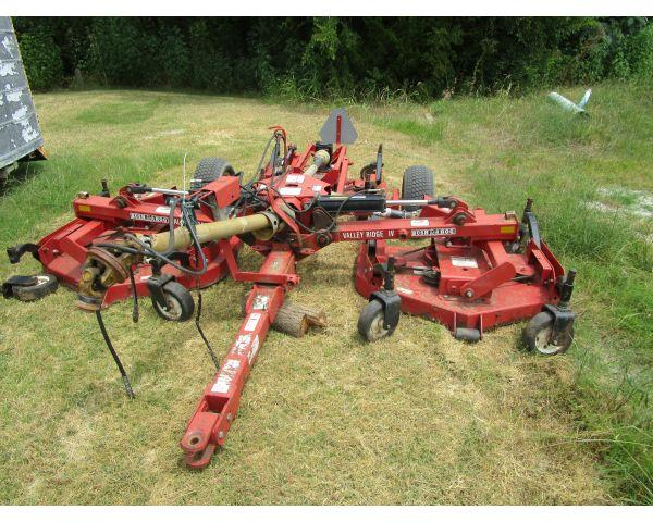 LSO Auctions - Lot: 1934 - Batwing Finish Mower (Item
