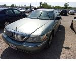 Lot: 235-59329C - 2005 LINCOLN TOWN CAR